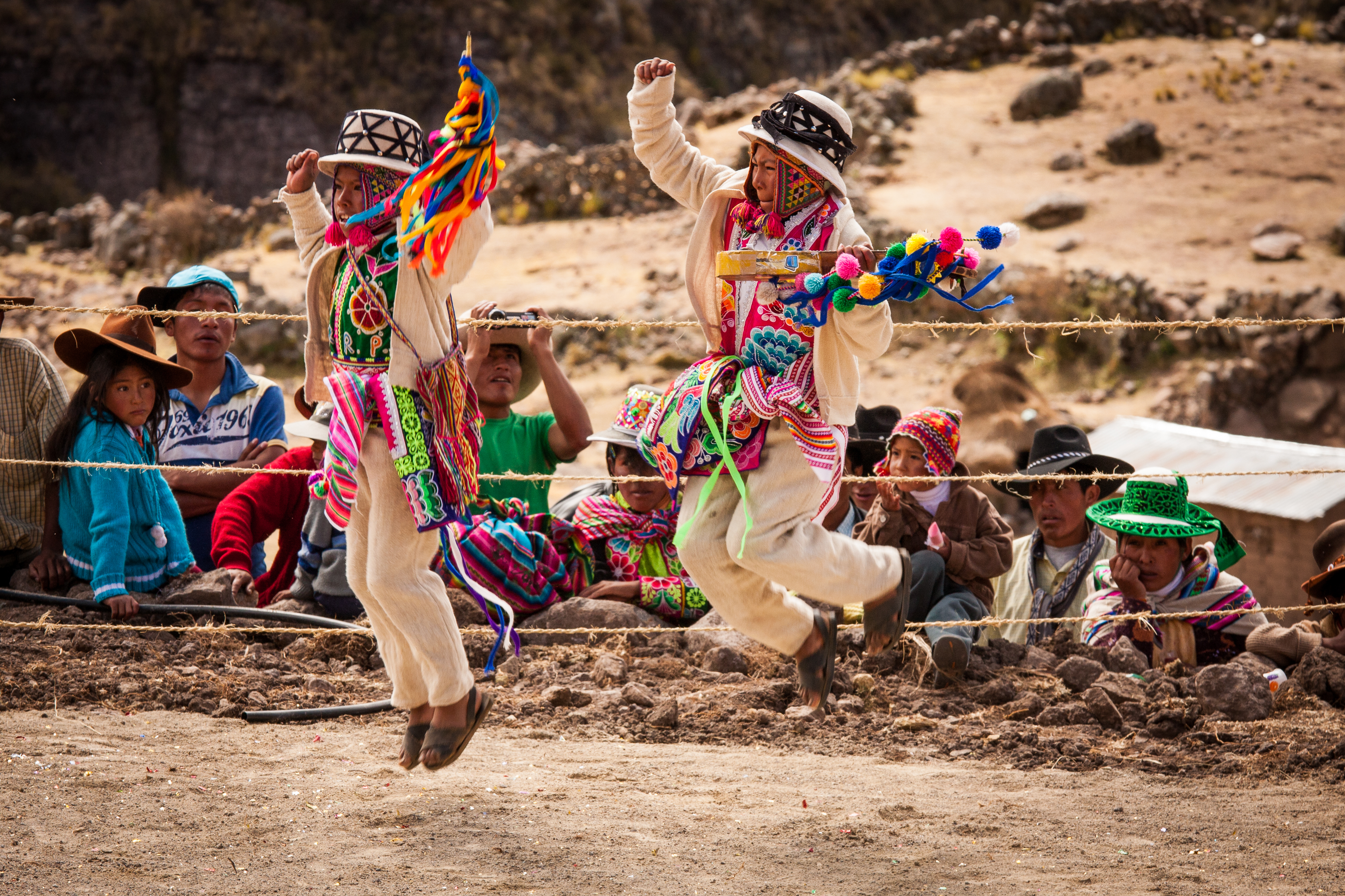qeswachaka-festival-dancers