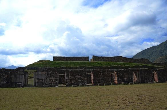 Vitcos Roasapata ruins Trek day 1 Vilcambamba to Machu Picchu