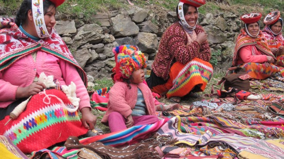 Rumira Sondormayo weavers and their textiles