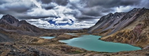 Apu-Ausangate-turquoise-lakes