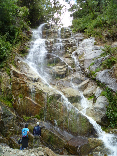 A lovely surprise from Mother Nature: Cascades in the Mountains, short inca trail, inca trail with kids, inca trail to machu picchu, machu picchu hike with kids, camino inca corta