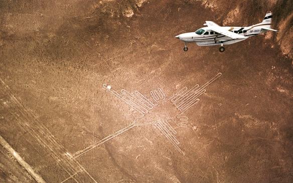 nazca-lines-hummingbird-900